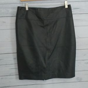 Cach'e Lamb Leather skirt size 8